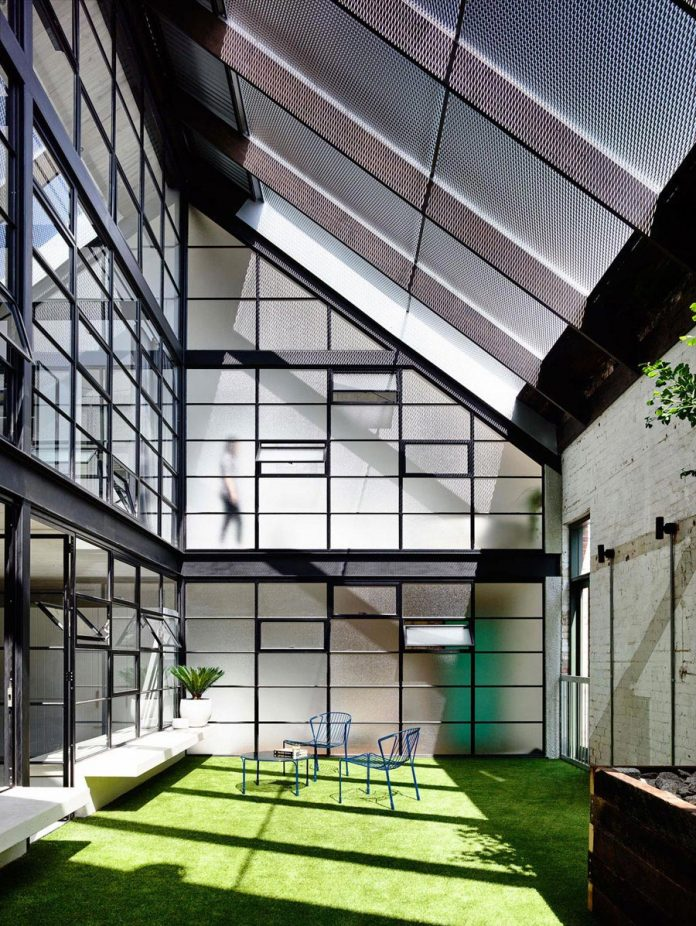 former-gritty-brick-warehouse-old-industrial-fitzroy-gets-modern-renovation-16