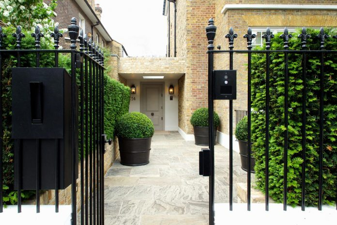 historic-mews-house-re-built-contemporary-style-notting-hill-london-01