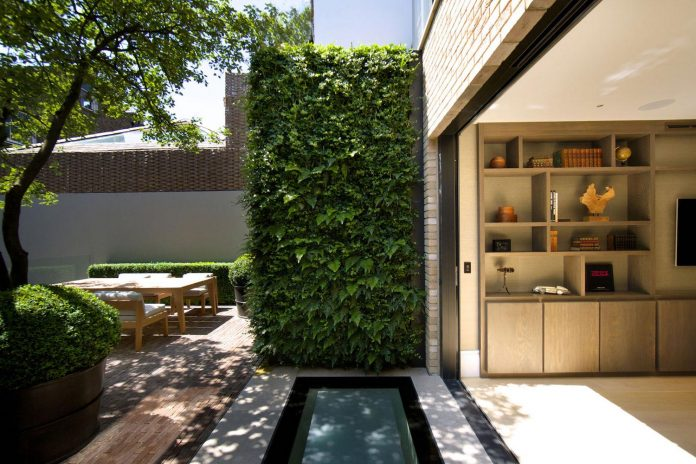 historic-mews-house-re-built-contemporary-style-notting-hill-london-02