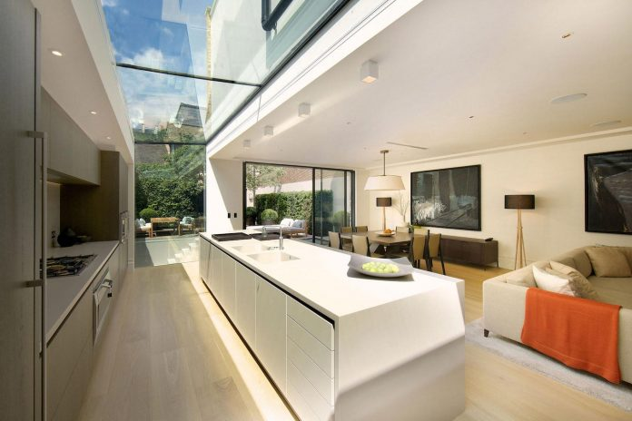 historic-mews-house-re-built-contemporary-style-notting-hill-london-06