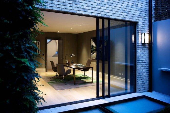 historic-mews-house-re-built-contemporary-style-notting-hill-london-15