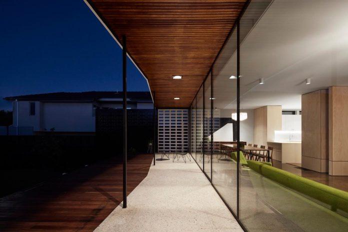 home-diverse-range-architectural-styles-edwardian-weather-board-californian-bungalow-red-orange-clinker-brick-18