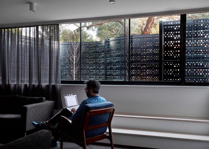 home-diverse-range-architectural-styles-edwardian-weather-board-californian-bungalow-red-orange-clinker-brick-19