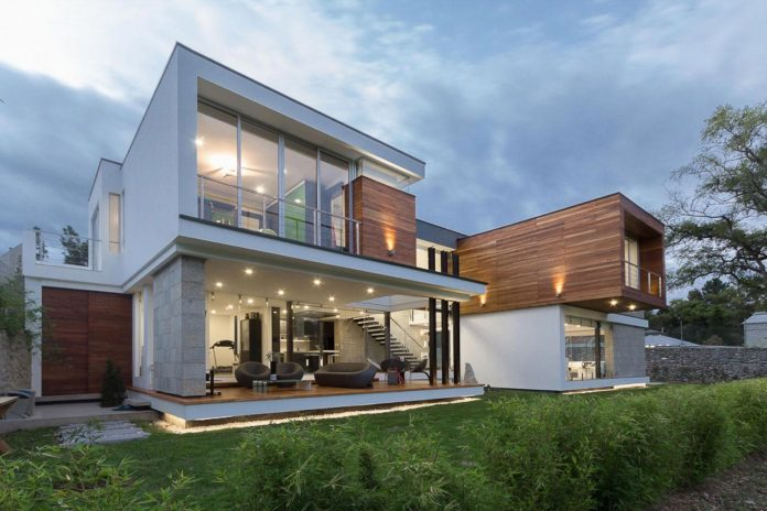 house-big-vain-glazed-obtaining-transparency-house-towards-natural-space-12