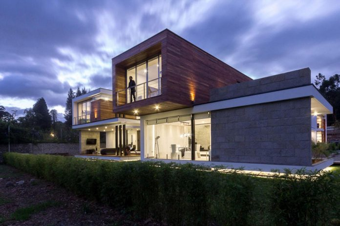 house-big-vain-glazed-obtaining-transparency-house-towards-natural-space-13
