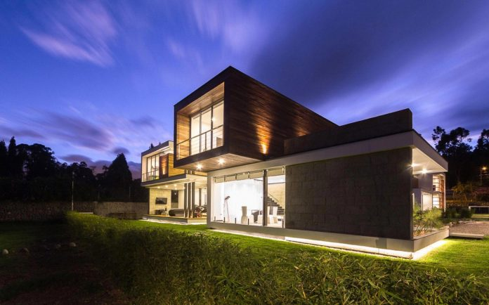 house-big-vain-glazed-obtaining-transparency-house-towards-natural-space-14