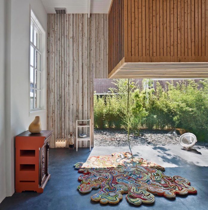 house-rolf-transformation-late-nineteenth-century-coach-house-spectacular-home-workspace-02
