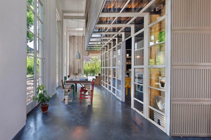 house-rolf-transformation-late-nineteenth-century-coach-house-spectacular-home-workspace-05
