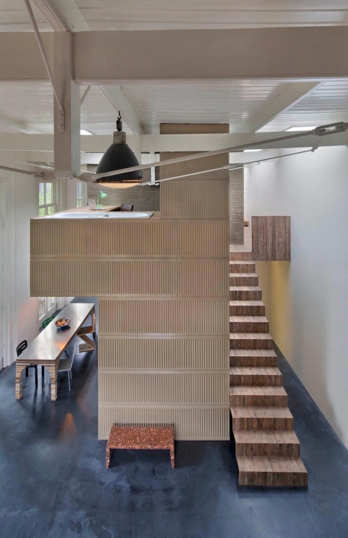 house-rolf-transformation-late-nineteenth-century-coach-house-spectacular-home-workspace-10