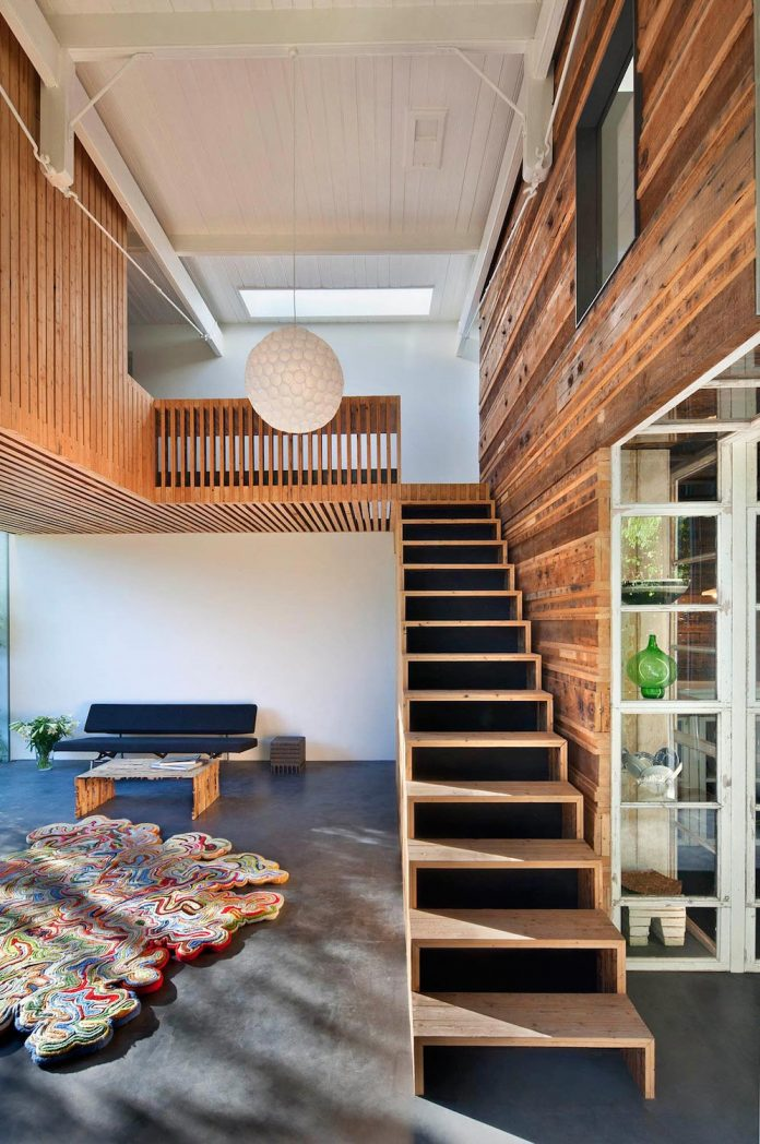 house-rolf-transformation-late-nineteenth-century-coach-house-spectacular-home-workspace-14