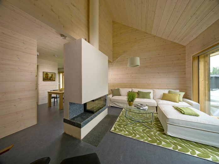 House Savukvartsi: a modern eco-home for three generations