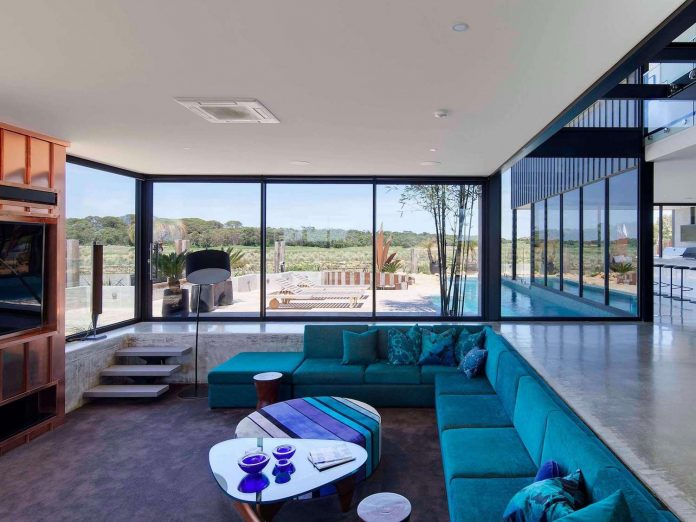 house-used-home-two-full-time-occupants-luxury-hotel-01