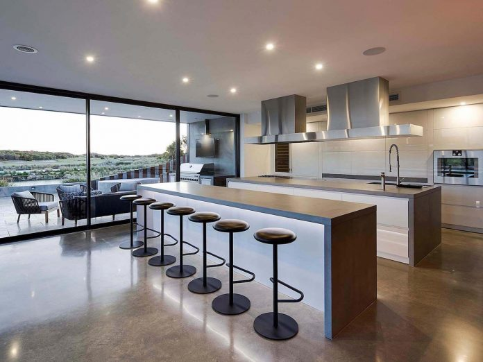 house-used-home-two-full-time-occupants-luxury-hotel-06