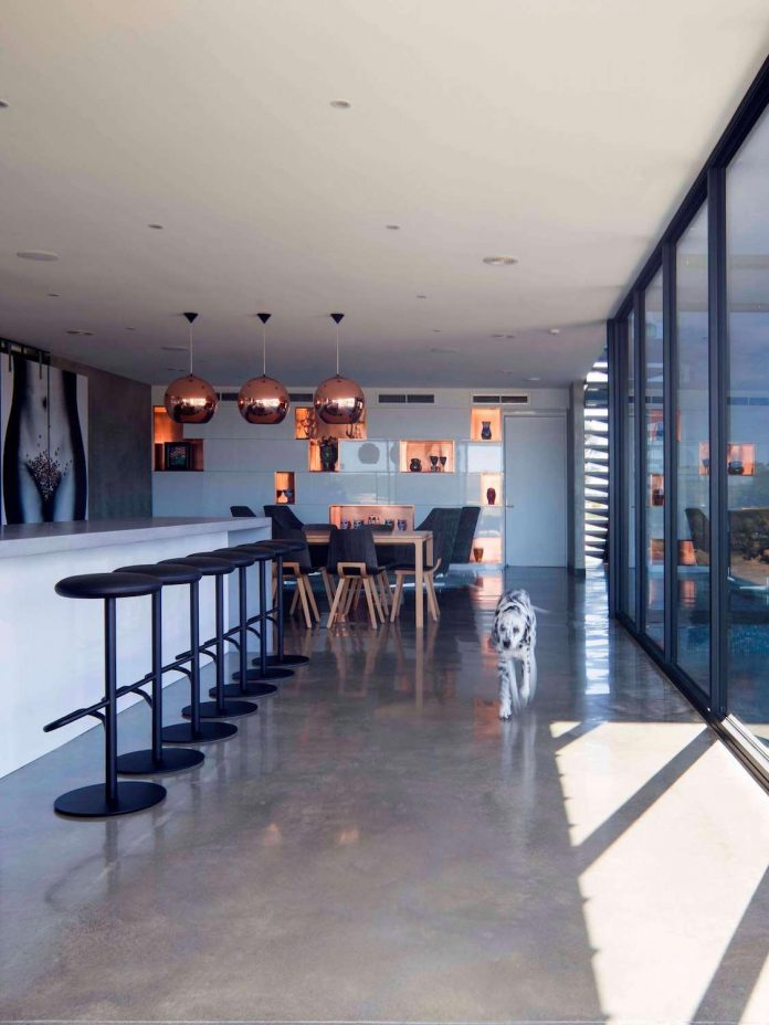 house-used-home-two-full-time-occupants-luxury-hotel-07