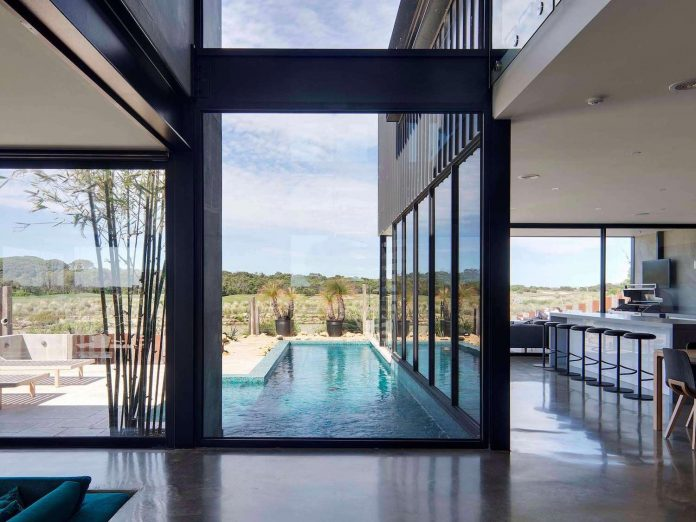 house-used-home-two-full-time-occupants-luxury-hotel-08