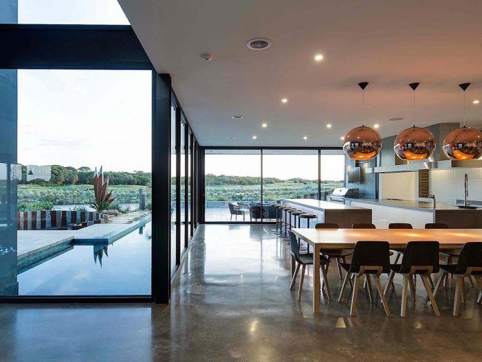 house-used-home-two-full-time-occupants-luxury-hotel-09