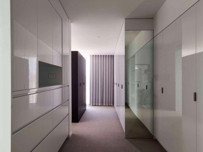 house-used-home-two-full-time-occupants-luxury-hotel-18