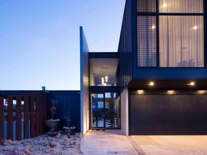 house-used-home-two-full-time-occupants-luxury-hotel-24