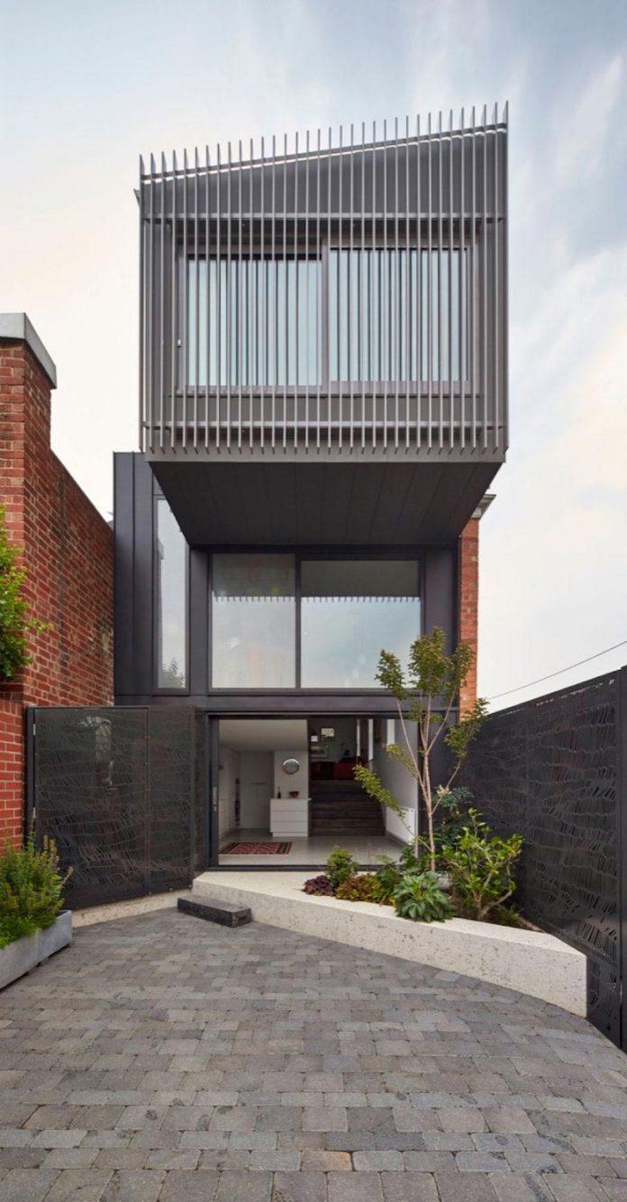 julie-firkin-architects-design-contemporary-brick-metal-house-fitzroy-melbourne-02