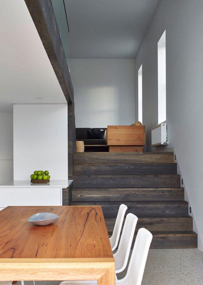 julie-firkin-architects-design-contemporary-brick-metal-house-fitzroy-melbourne-06