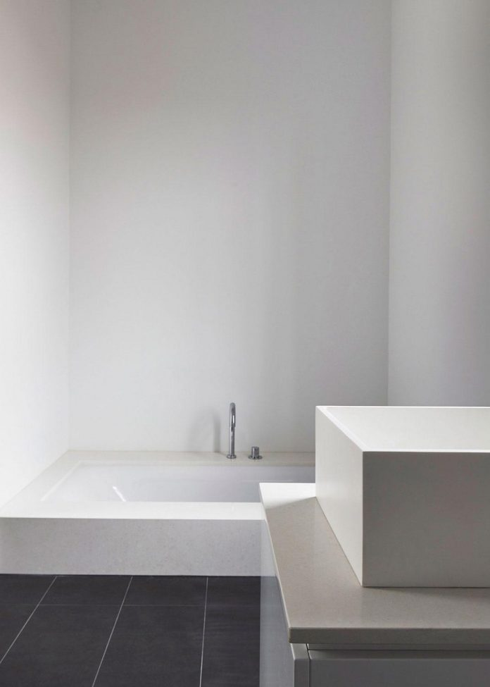 julie-firkin-architects-design-contemporary-brick-metal-house-fitzroy-melbourne-17