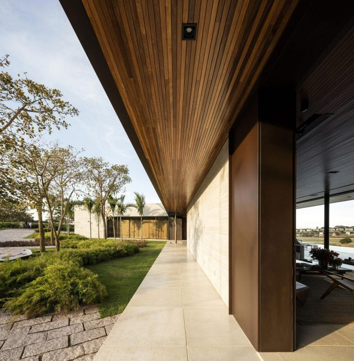 lightweight-structure-large-openings-glazed-surfaces-define-country-house-porto-feliz-sao-paulo-06