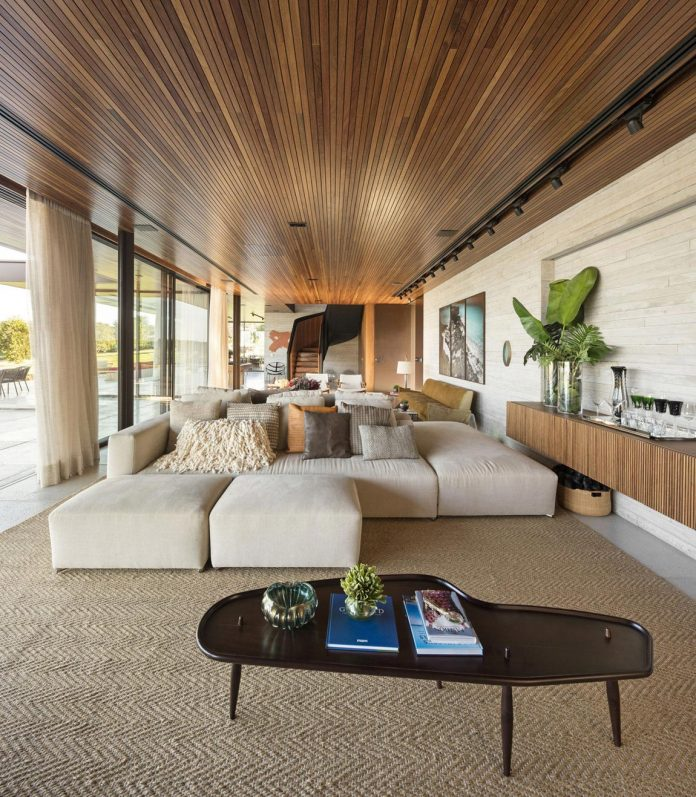lightweight-structure-large-openings-glazed-surfaces-define-country-house-porto-feliz-sao-paulo-09