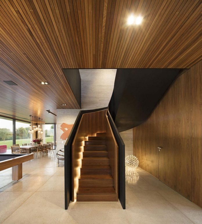 lightweight-structure-large-openings-glazed-surfaces-define-country-house-porto-feliz-sao-paulo-12