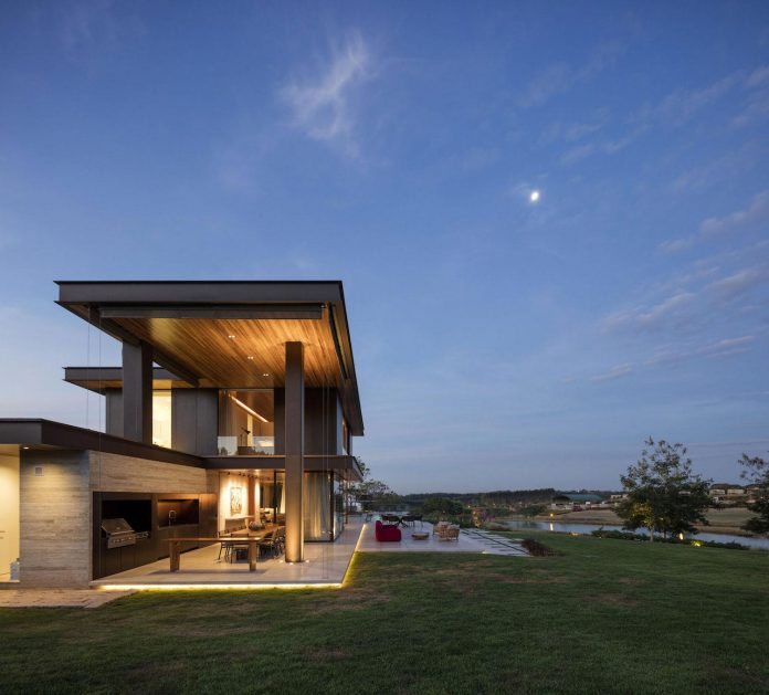 lightweight-structure-large-openings-glazed-surfaces-define-country-house-porto-feliz-sao-paulo-20