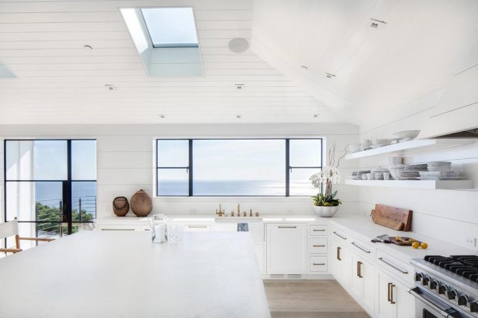 luminous-contemporary-laguna-beach-house-anders-lasater-architects-06