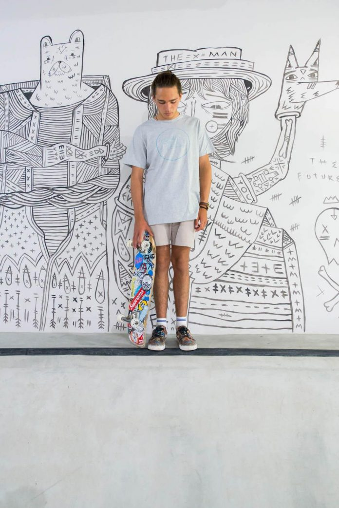 man-cave-industrial-inspired-home-young-lover-skating-surfing-socialising-10