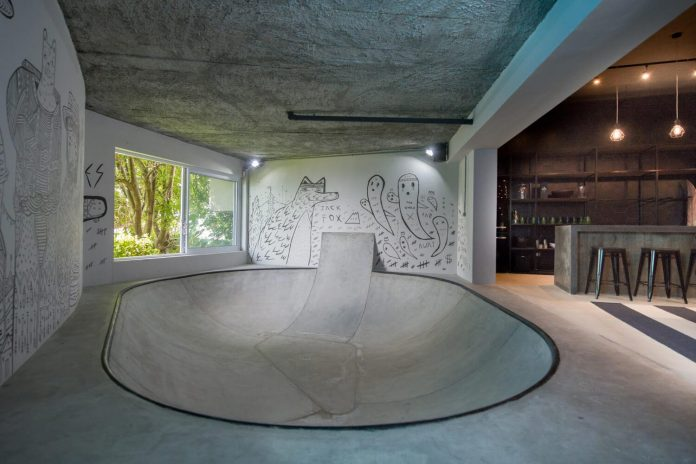 man-cave-industrial-inspired-home-young-lover-skating-surfing-socialising-14