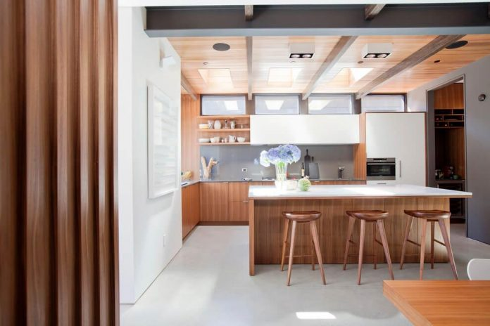 mid-century-home-design-exposed-structural-steel-beam-clear-fir-wood-ceilings-02