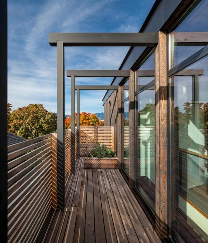 mid-century-home-design-exposed-structural-steel-beam-clear-fir-wood-ceilings-16