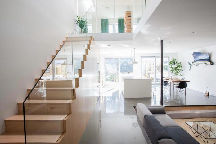 minimalist-uncluttered-nordic-style-renovation-typical-montreal-duplex-06