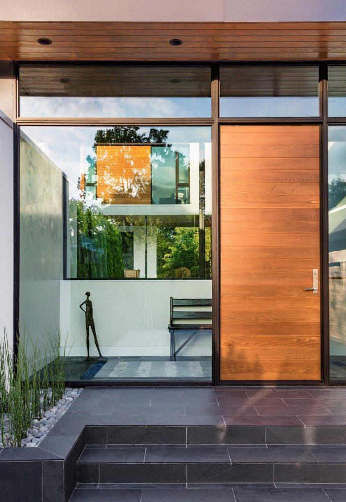 modern-calhoun-pavilion-residence-designed-maximize-views-lake-downtown-skyline-02