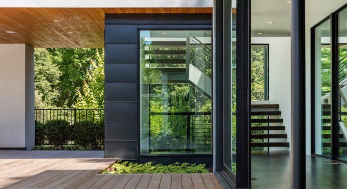 modern-calhoun-pavilion-residence-designed-maximize-views-lake-downtown-skyline-06
