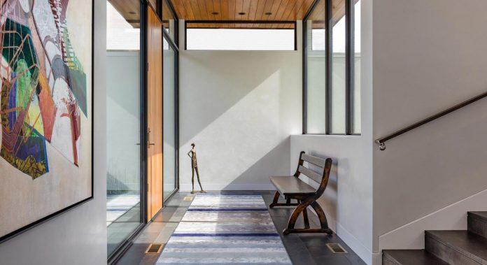 modern-calhoun-pavilion-residence-designed-maximize-views-lake-downtown-skyline-08