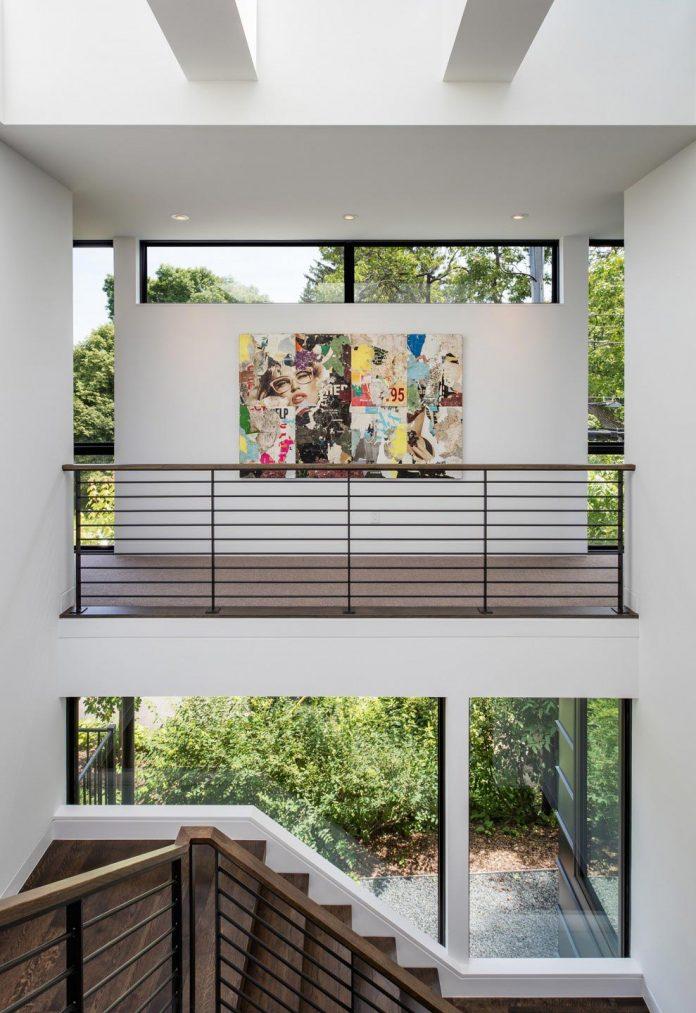 modern-calhoun-pavilion-residence-designed-maximize-views-lake-downtown-skyline-14