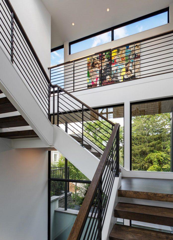modern-calhoun-pavilion-residence-designed-maximize-views-lake-downtown-skyline-16
