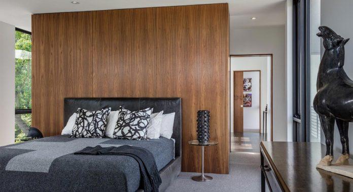 modern-calhoun-pavilion-residence-designed-maximize-views-lake-downtown-skyline-18