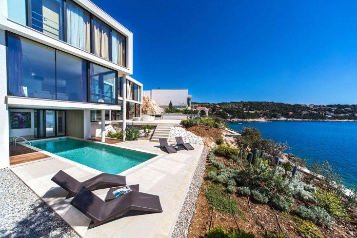 modern-complex-luxury-villas-apartments-dalmatian-region-03