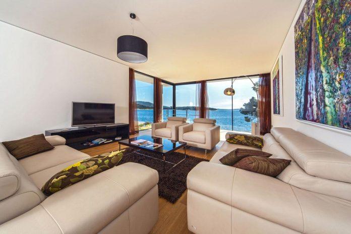 modern-complex-luxury-villas-apartments-dalmatian-region-07