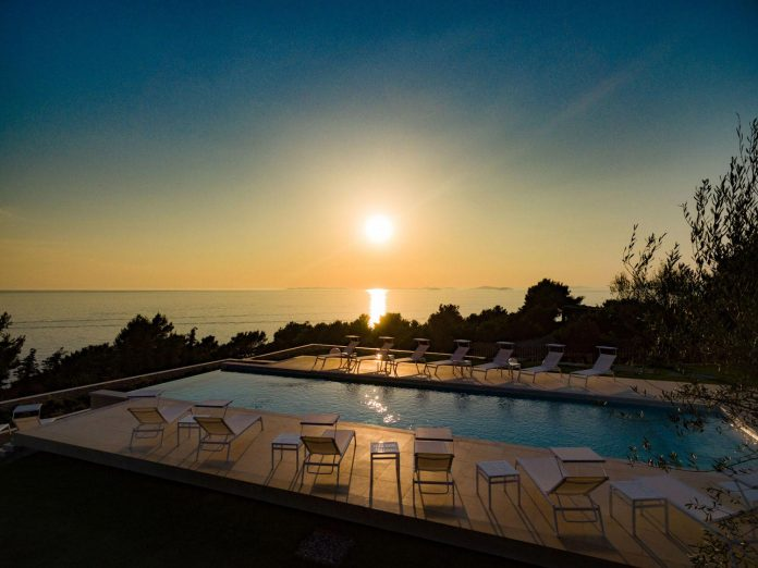 modern-complex-luxury-villas-apartments-dalmatian-region-20
