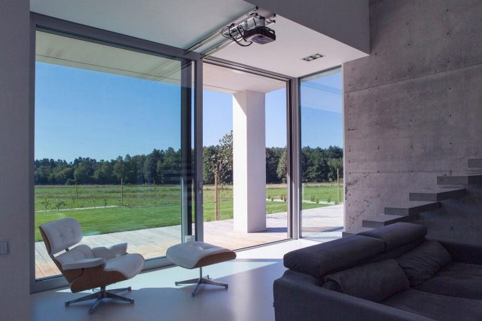 modern-environmentally-friendly-house-designed-bxbstudio-boguslaw-barnas-03