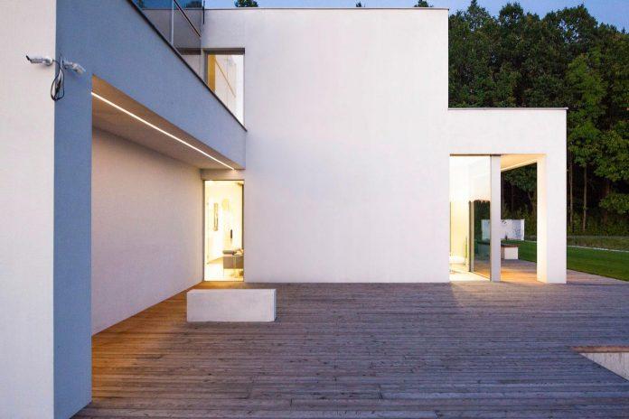 modern-environmentally-friendly-house-designed-bxbstudio-boguslaw-barnas-07