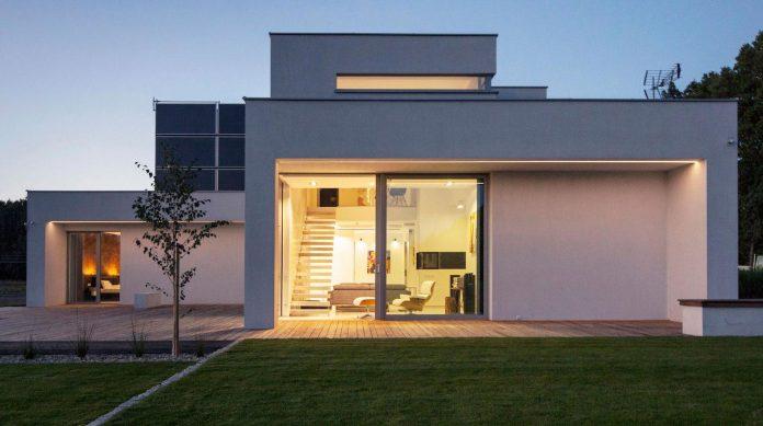 modern-environmentally-friendly-house-designed-bxbstudio-boguslaw-barnas-09