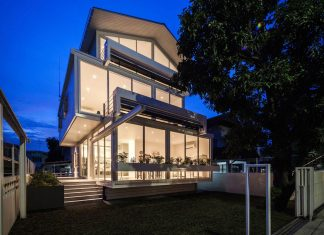 O-ART-IM House: overlapping each floor one by one, giving a sense of widen space from a setback rule