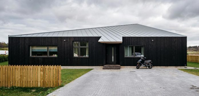 one-storey-home-inspired-plot-movement-sunlight-01