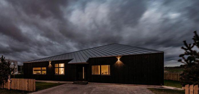 one-storey-home-inspired-plot-movement-sunlight-10